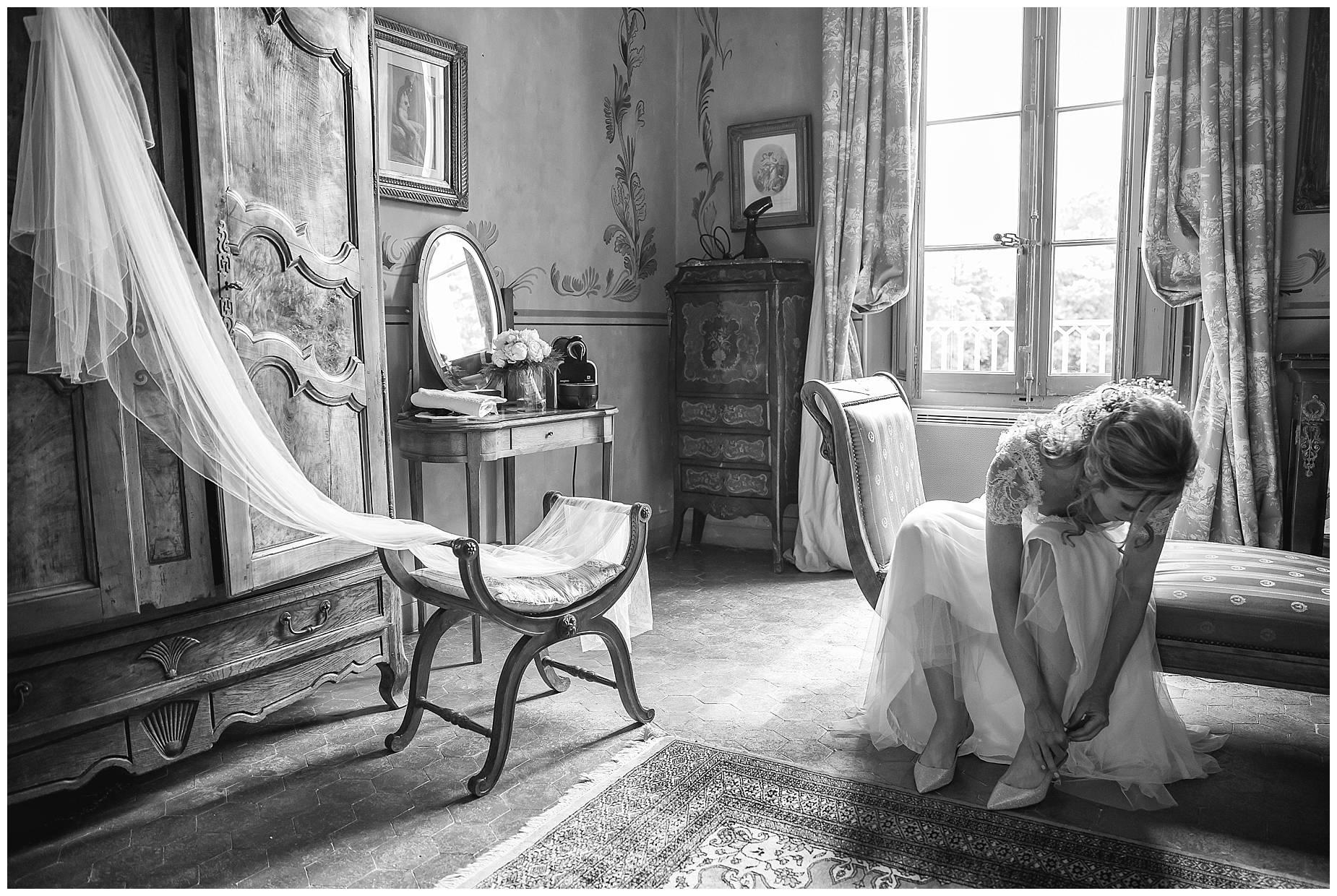 Chateau de Pouget bride and veil