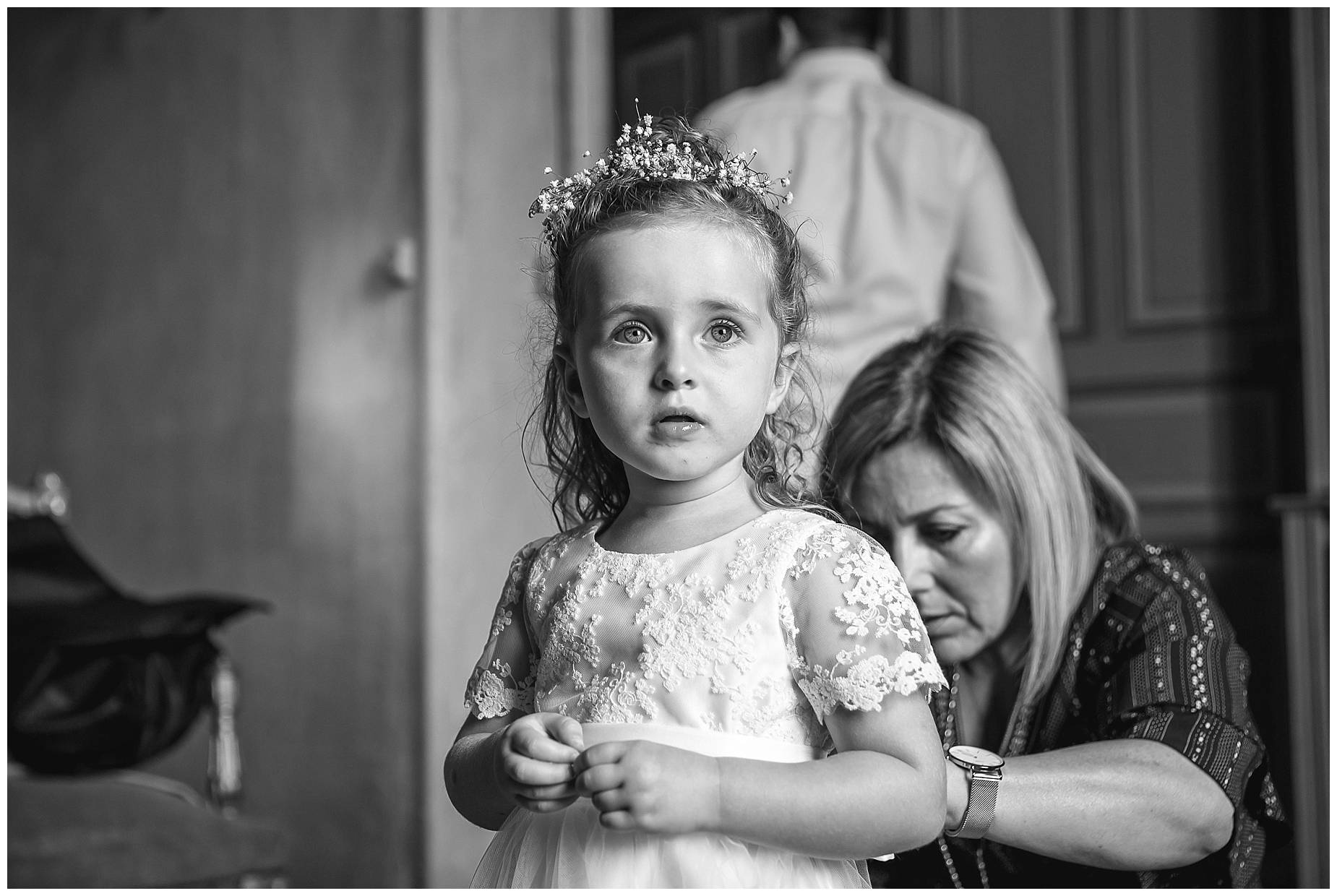 flower girl at Chateau de Pouget wedding