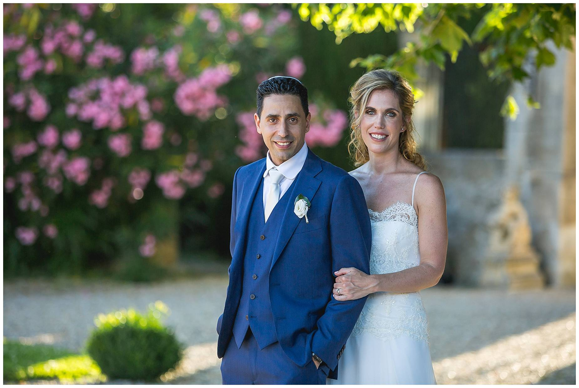 Chateau de Pouget bride and groom