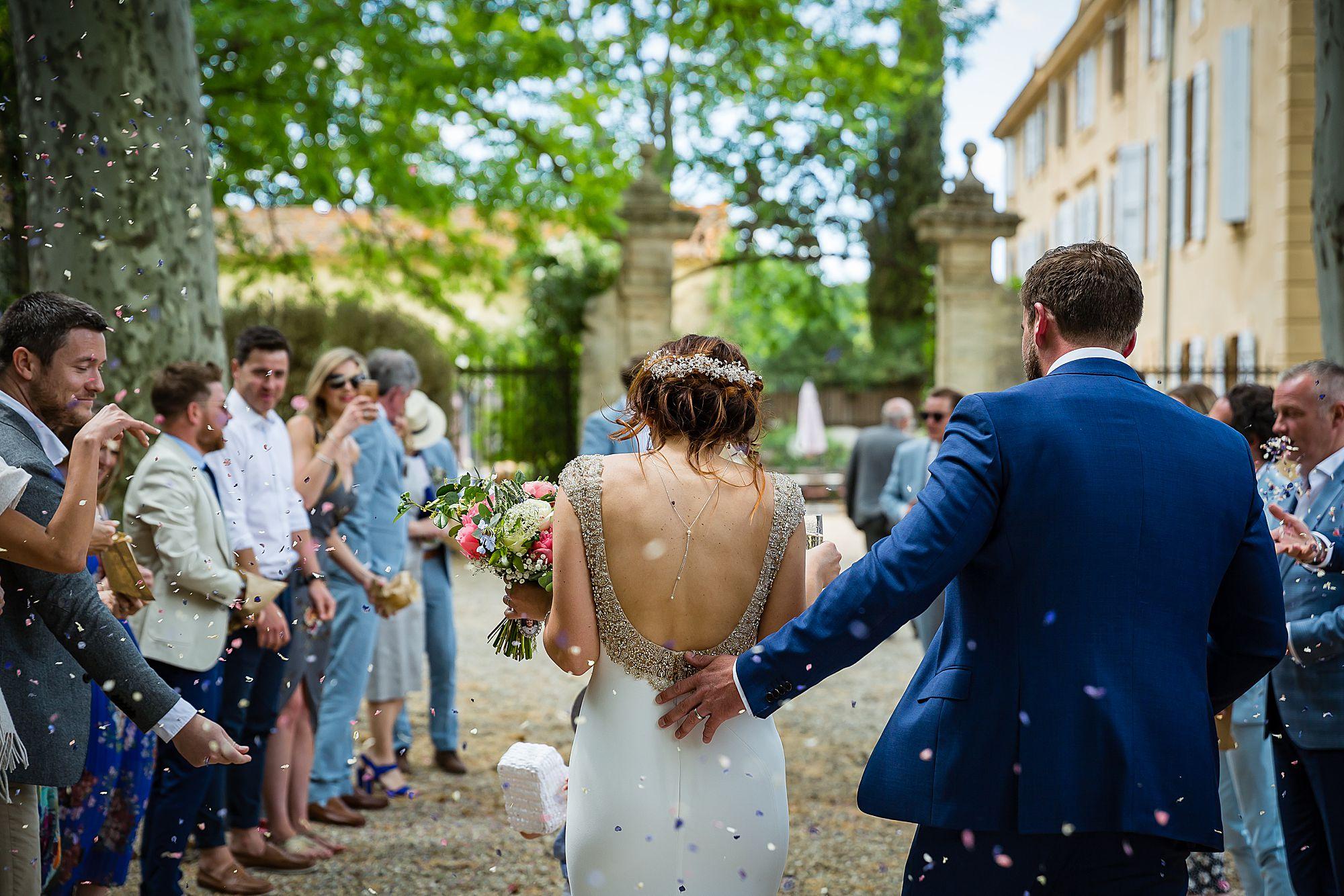 confetti at Chateau Rieutort wedding