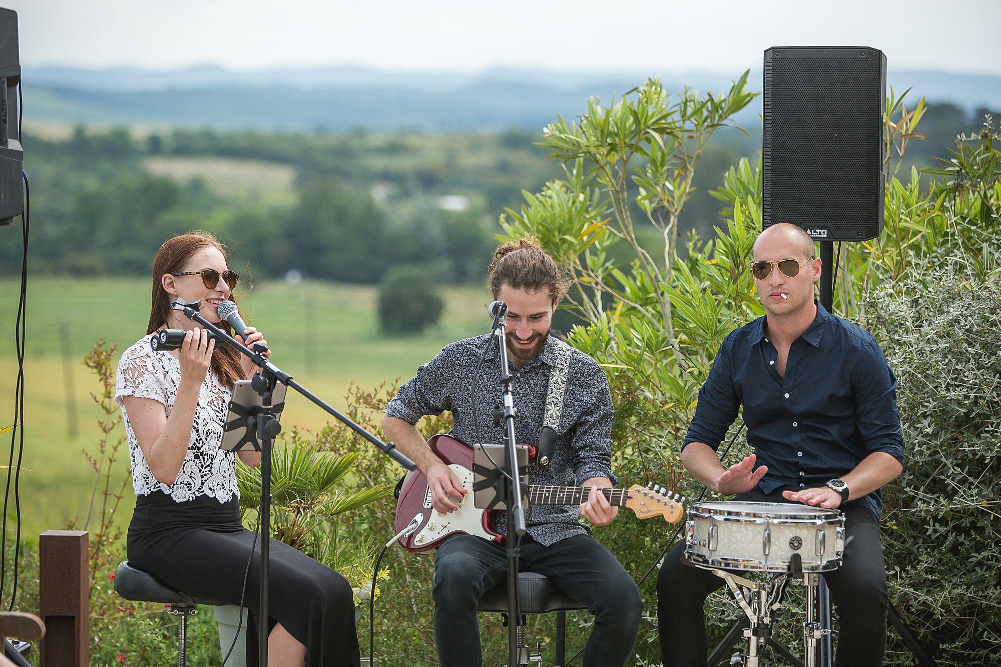 band at Domaine Gayda wedding
