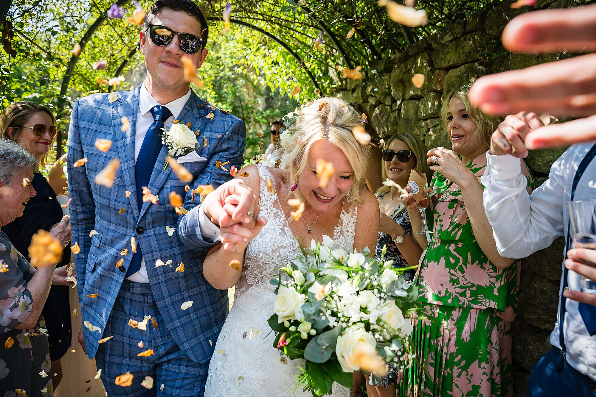confetti at Chateau de Queille Wedding