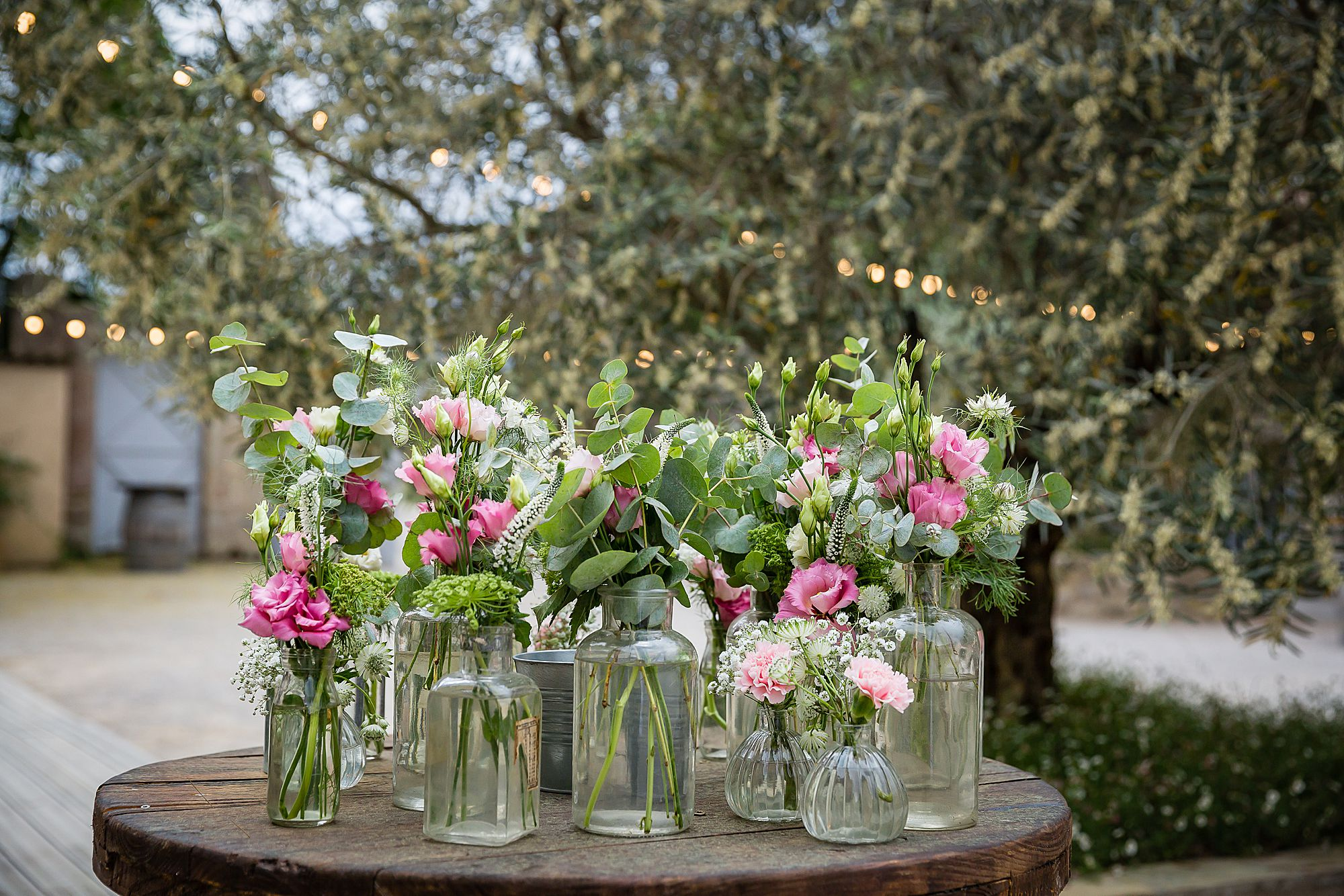 more flowers at Domaine de la Grangette wedding