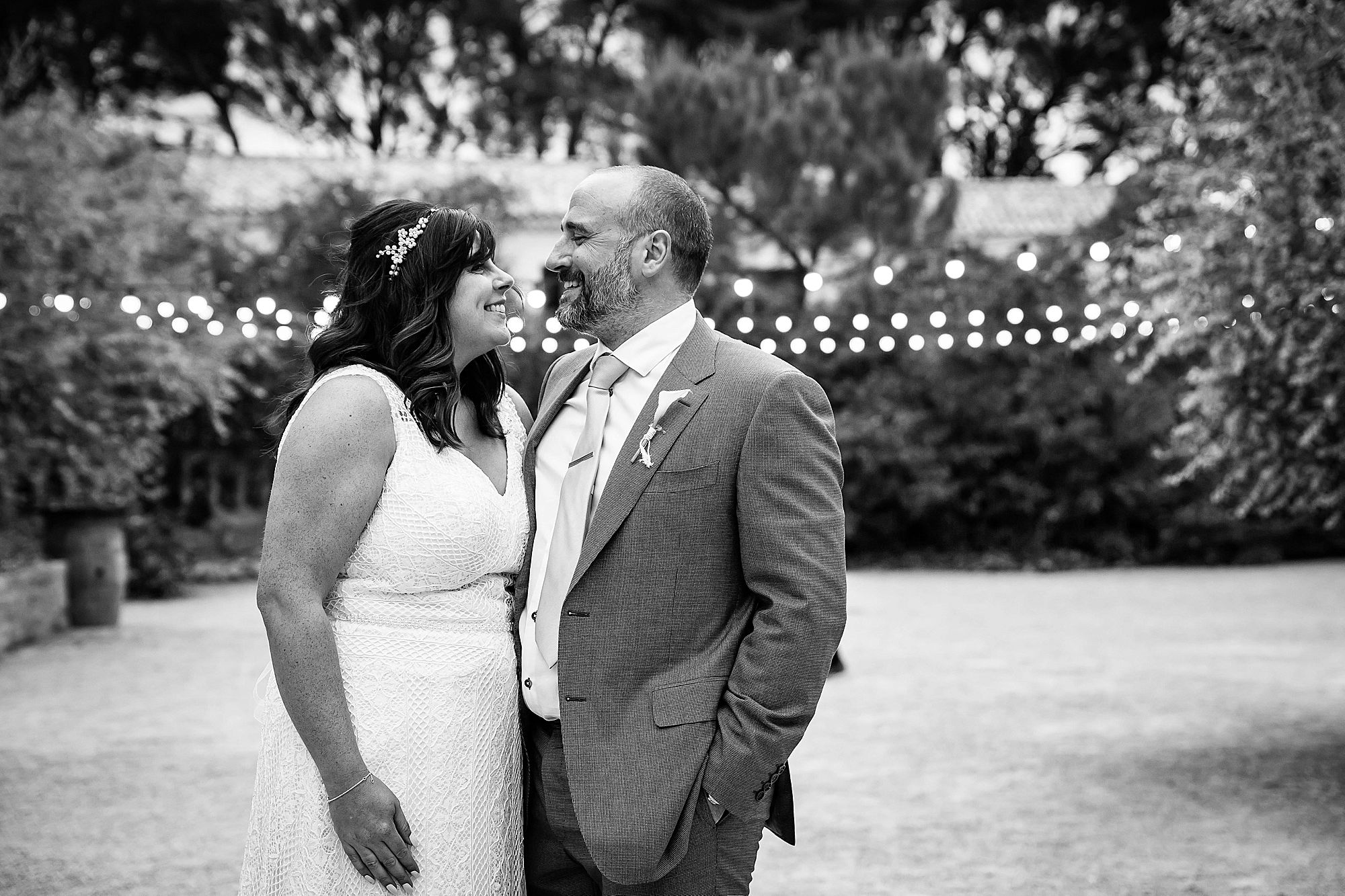 black and white of couple at Domaine de la Grangette wedding