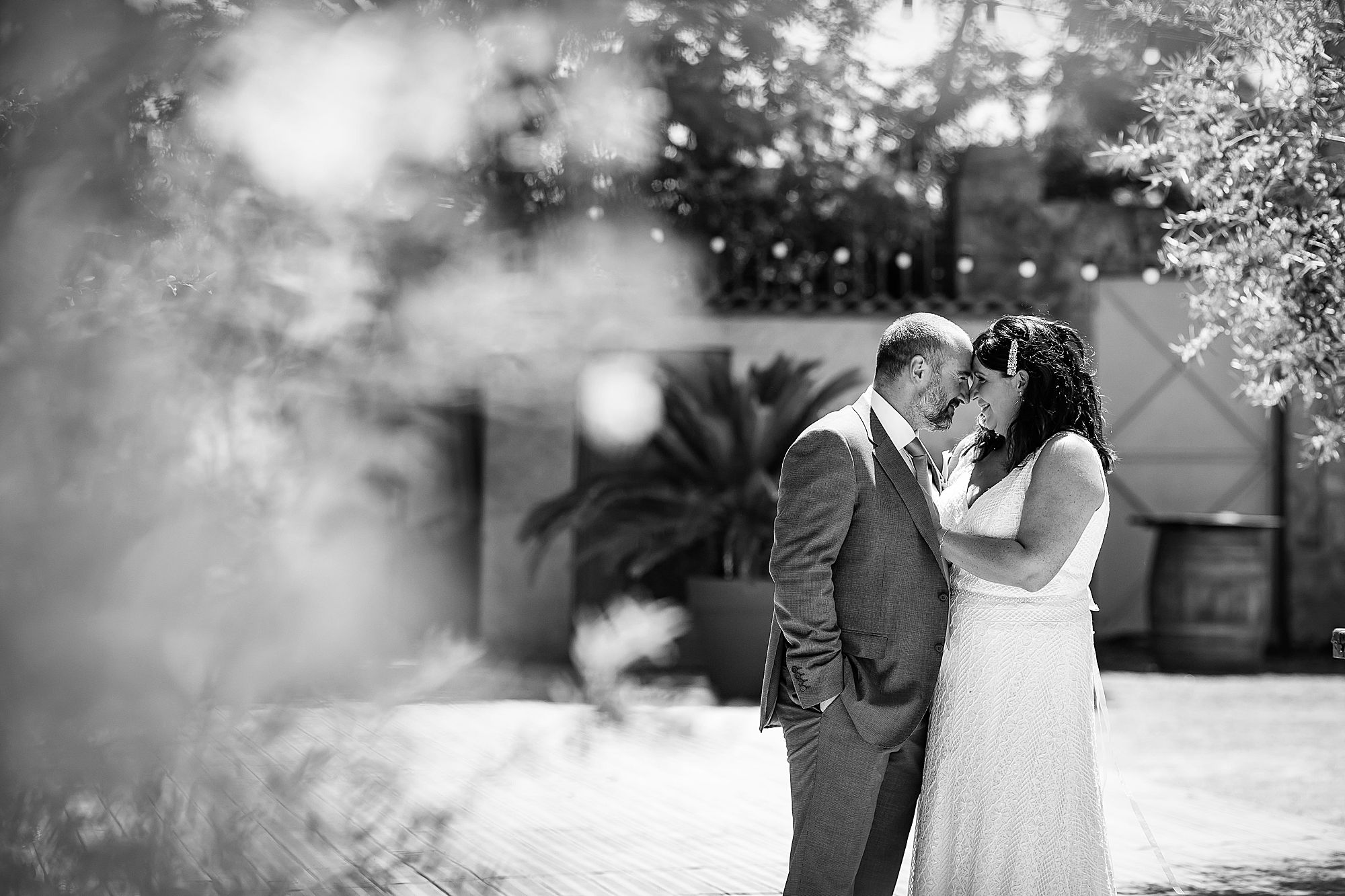 black and white Domaine de la Grangette wedding