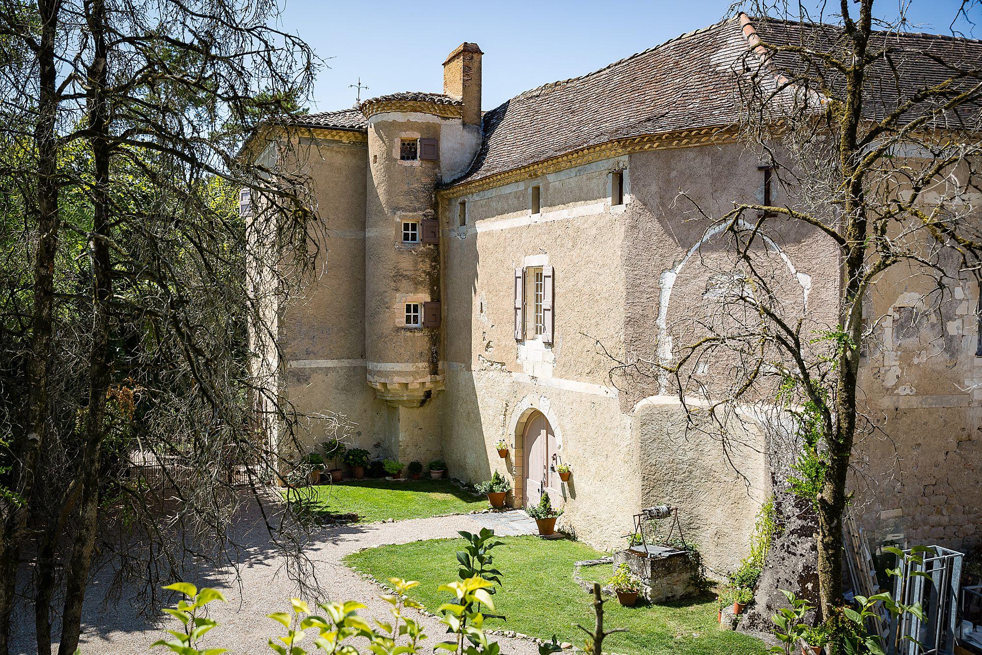 Chateau de Brametourte