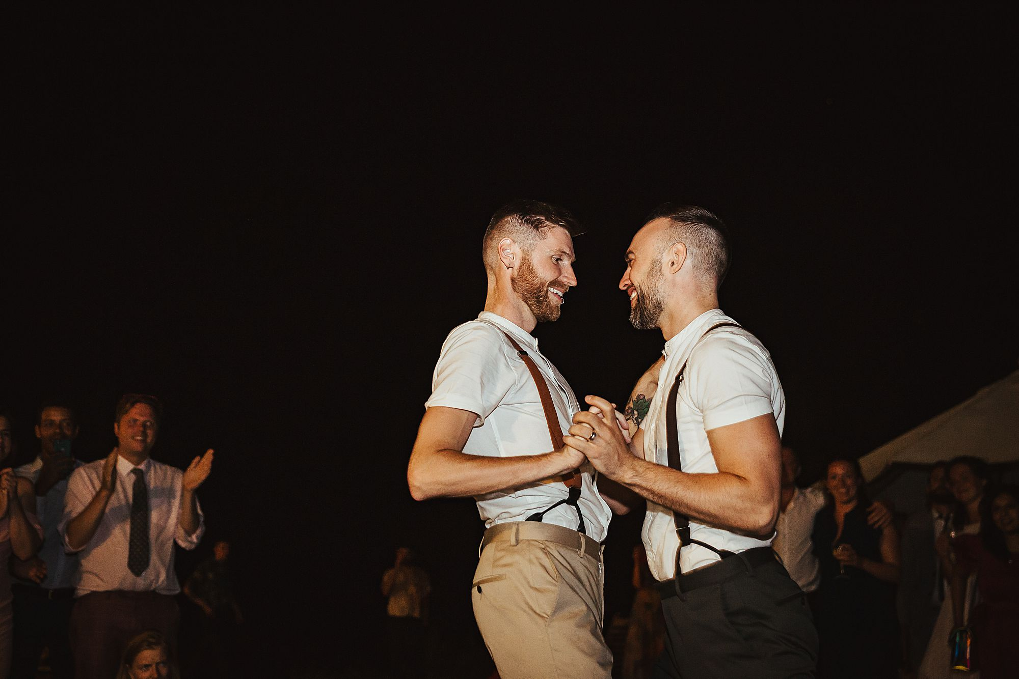 danncing gay wedding in France