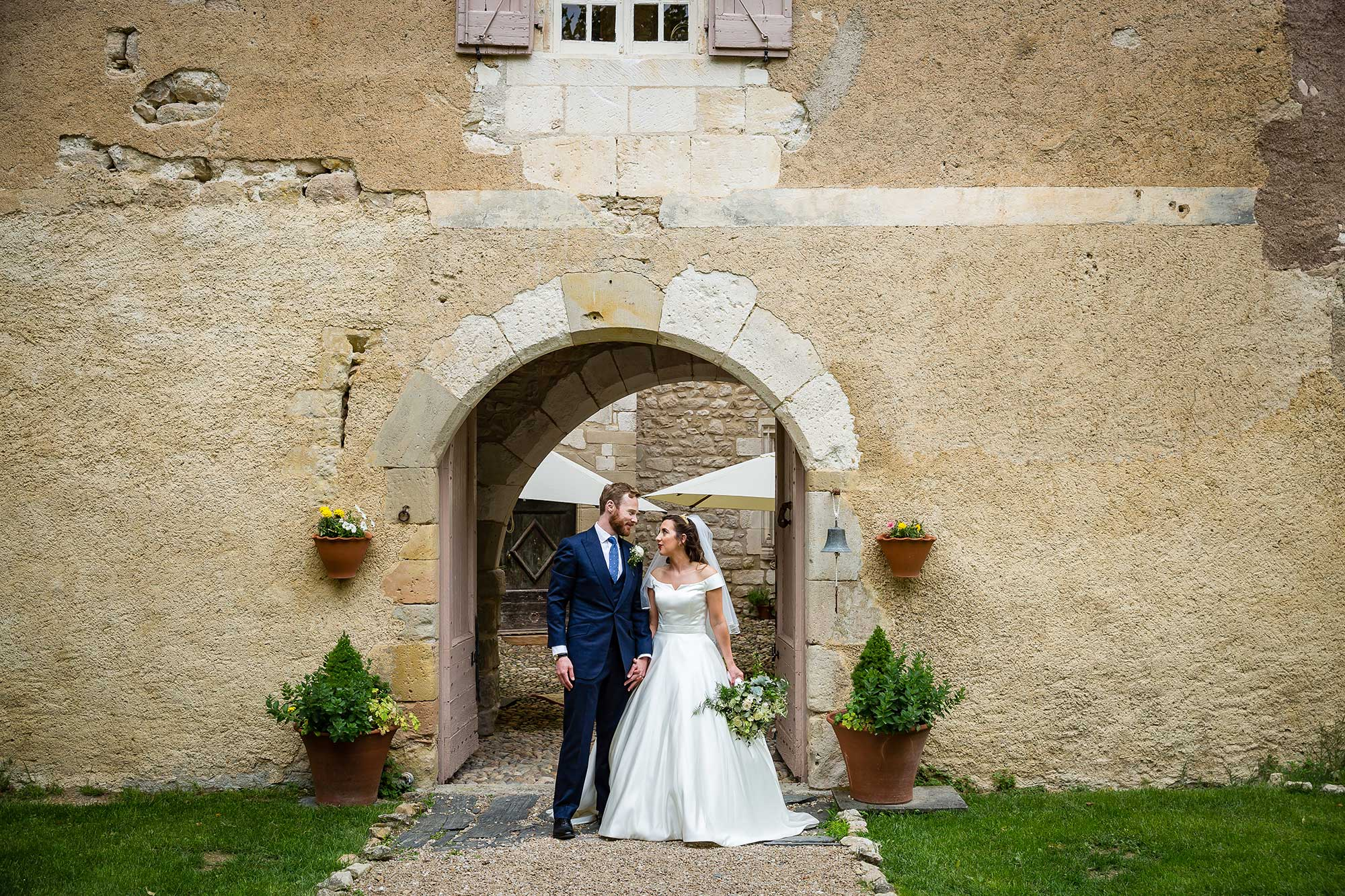 Bride and groom at Chateau de Brametourte