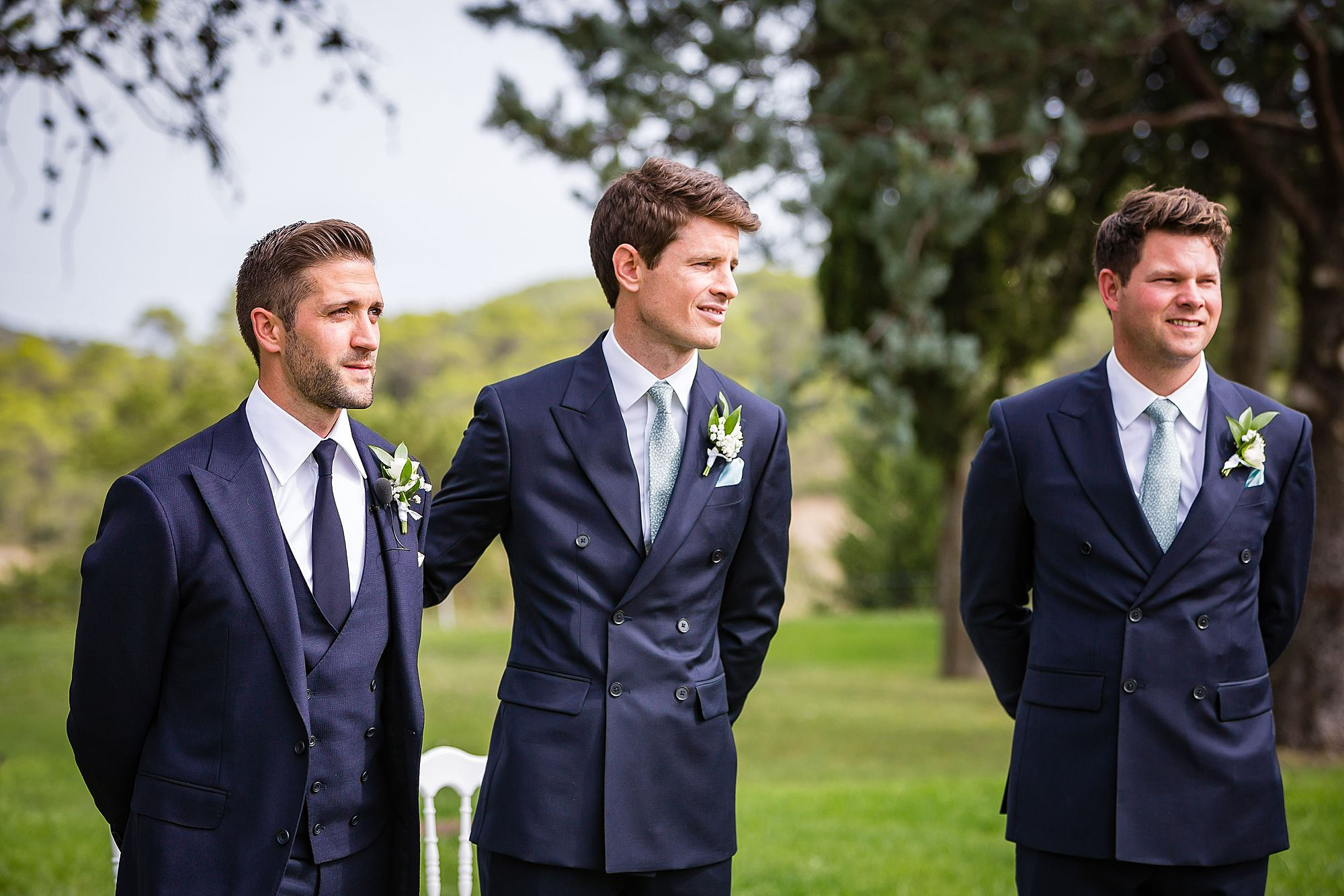 best man reassuring groom